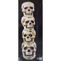 Calaveras Apiladas Con Sonido De Terror Para Halloween