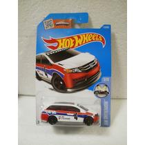 Hot Wheels Camioneta Honda Odyssey Blanco 115/250 2016