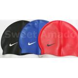 Uma Touca Toca De Natação Nike Silicone Original Na Caixa