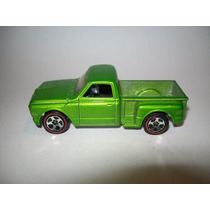 Hot Wheels 2006 #96 Camioneta Custom 69 Chevy Ruedas Redline