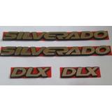 2x Emblemas Silverado + 2x Emblemas Dlx Silverado + Brinde
