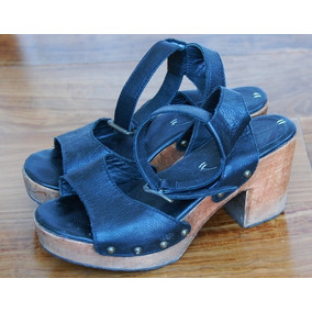 Zapatos Con Platafomra De Madera - Paula Cahen Danver N37