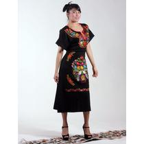 Finos Vestidos De Manta Negra Bordados A Mano En Chiapas