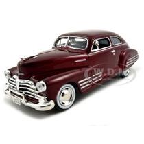 Motor Max 1:24 Classics 1948 Chevrolet Aerosedan Fleetline