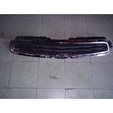 Parrilla Superior De Chevrolet Trax 13-16 Usada Original