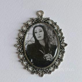 Camafeo Morticia Addams Collar Gótico Locos Addams Familia
