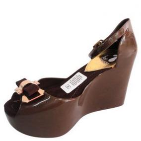 Sandalias Plastic Shoes Plataforma Moño Dorado-café