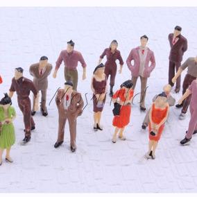 10 Mini Pessoas Miniaturas Maquetes Terrários 1:50 (3,5cm)