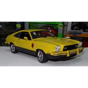 1:18 Ford Mustang Stallion 1976 Amarillo Greenlight Shelby