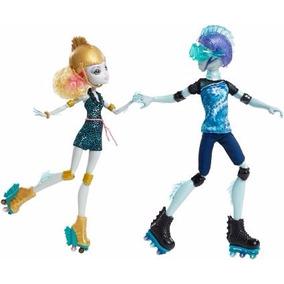 Monster High Lagoona Blue Y Gil Webber En Patines Duo Set