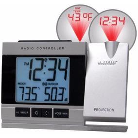 Reloj Despertador Y Proyector De La Hora En El Techo