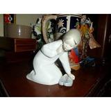 Figura Porcelana Lladro Niña Con Zapatillas Catalogo 0101452