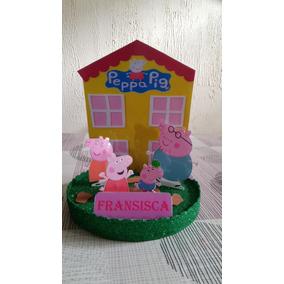 Centro De Mesa De Peppa Pig Y Su Familia En El Lodo