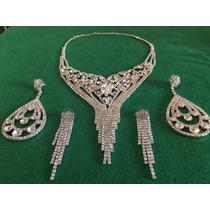 Conjunto De Collar Y Dos Pares De Aros