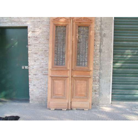 Puerta De Frente De Cedro Antigua Con Rejas