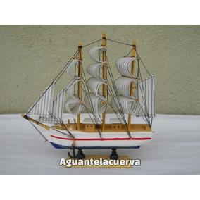 Barco De Madera Tipo Fragata Con Velas De Tela 23x23