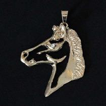 Pingente Semi Jóia Folheado A Ouro Cavalo Com Pedra De Zirc