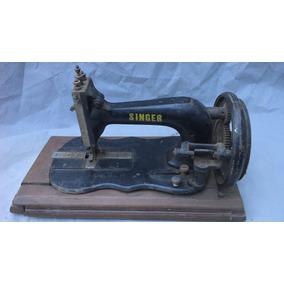 Máquina De Costura Singer Manual / Para Decoração...