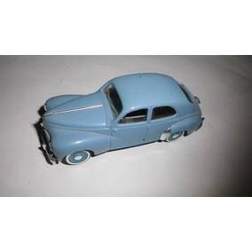 Auto En Miniatura Solido