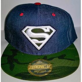 Gorra Visera Plana Snapback Superman Comics