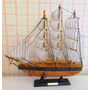 Miniatura Réplica De Barco A Vela Em Madeira H.m Sendeavour