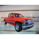 Chevrolet Silverado 1500 - Cararama - 1/72