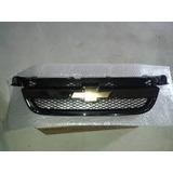 Parrilla Cromada Chevrolet Aveo Lt Con Emblema Original