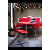 Mesa Redonda Em Fibra Com 4 Cadeiras Giratórias