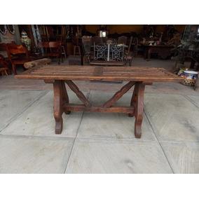 mesa credenza coqueta de madera antigua cubierta de puerta