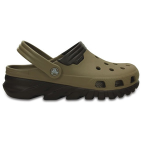 Zapato Crocs Dama Duet Max Clog Khaki
