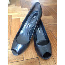 Zapatos De Viento Y Marea Color Negro De Charol Talle 38