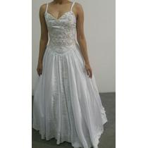 Vestido De Noiva Branco Bordado Com Pérolas