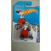 Carrinho Hot Wheels Snoopy Coleção 2016