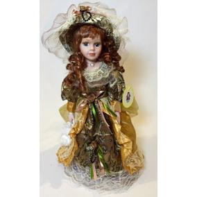 Boneca De Porcelana Importada Com 40 Cm Camponesa Anastacia