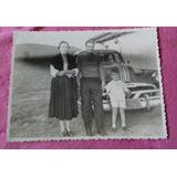 Foto Antiga De Família Pousando C/carro