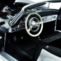 Mercedes Benz 190 Sl 1955 Coupe 1/18 Minichamps