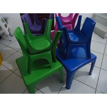 Mesinha Infantil De Plastico+4 Cadeiras 5 Cores Diferentes