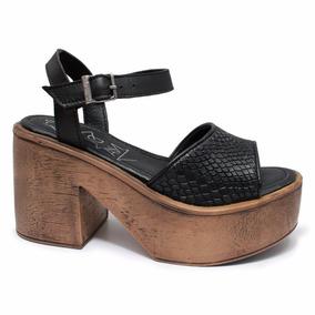 Sandalias De Cuero Negras Altas Con Plataforma