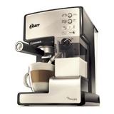 Cafetera Express Oster Prima Latte Color Plateado