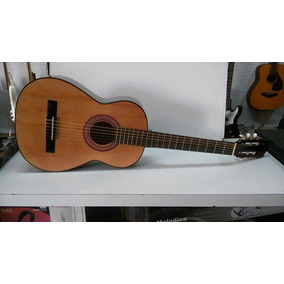 Guitarra Gracia M5 + Funda + Cuerdas + Banco Apoya Pie