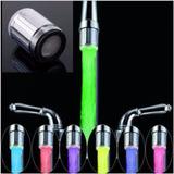 Luz Led Griferia Lavamanos No Necesita Bateria Varios Colore