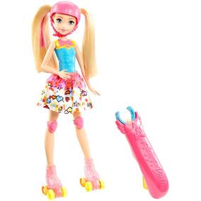 Boneca Patinadora Em Um Mundo De Video Game Mattel