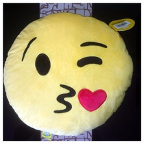 Peluche Cojín Emoji Beso Corazón Whatsapp Empaque Original