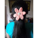 Flor Tejida En Crochet. Gomitas De Pelo Artesanales.