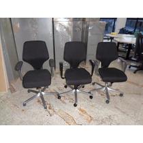 Cadeira De Escritório Giratoria Giroflex 64