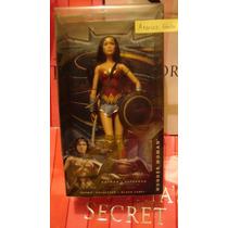 Barbie Basics Collector Wonder Woman Dc Comics Batman Model