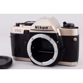 Câmera Nikon Fe10 Só O Corpo (perfeita)