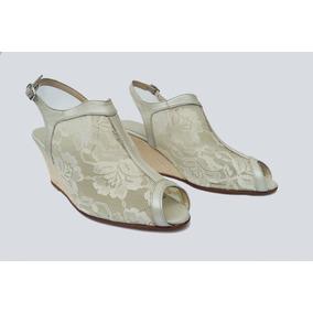 Zapatos Estilo Zuecos En Villoné Blanco C/flores Y Cuero