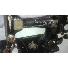 Maquina De Costura Antiga Pra Colecionar