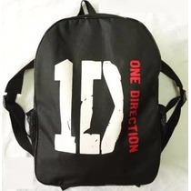 Mochila Escolar One Direction Alça Ajustável Bolsos Brinde